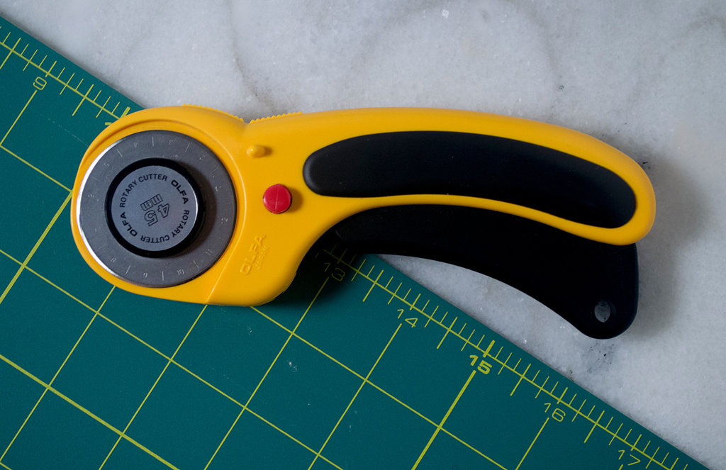 Olfa Rotary Cutter and Mat