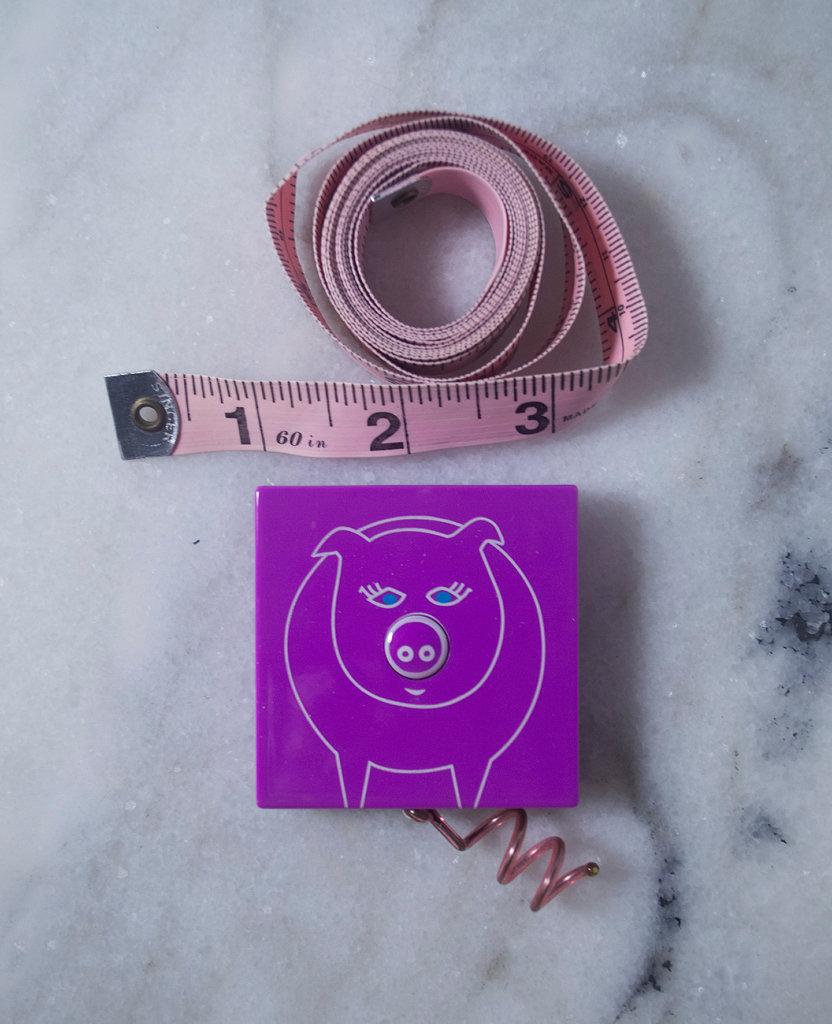 Singer Tape Measure-Pylones Pig Tape Measure